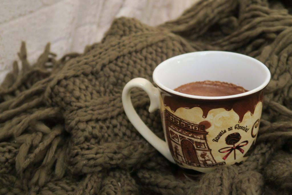 zdrowa gorąca czekolada